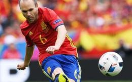 """Người hùng không tuổi của Tây Ban Nha """"tự sướng"""" sau chiến thắng"""