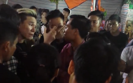 """Ca sĩ Châu Việt Cường tức giận, dọa """"bẻ cổ"""" khán giả"""