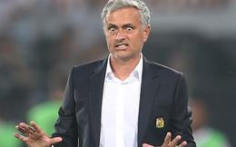 """Fan Man United """"cáu tiết"""" đòi sa thải Mourinho"""