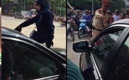 Cảnh sát đập vỡ kính ô tô bắt các thanh niên mang hàng cấm