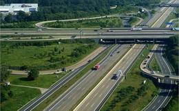 Cao tốc chạy 300 km/h: Dân mong nộp phí để đi