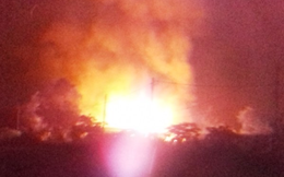 Sau tiếng nổ lớn, lửa bốc dữ dội làm nhiều người ở vùng ven Sài Gòn hoảng sợ