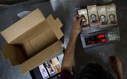 Lạm phát cao vọt, dân dùng cân 'đong' tiền