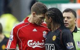 """Gerrard bị người Man United """"đâm chọc"""" đúng ngày giải nghệ"""