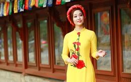 MC Thùy Linh dịu dàng trong tà áo dài