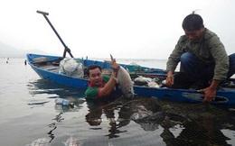 Thừa Thiên-Huế: Cá chết trắng lồng chưa rõ nguyên nhân