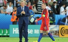 """Roy Hodgson cố bảo vệ """"cục cưng"""", Rooney cáu giận ra mặt"""