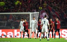 """Ngập tràn trong hạnh phúc, Ronaldo ngạo nghễ """"cười vào mũi"""" những kẻ chỉ trích mình"""