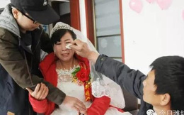Chàng trai bị ung thư nhưng từ chối điều trị, để tiền làm đám cưới cho mẹ