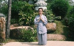 """Sao Việt đi lễ chùa: """"Người kín đáo, kẻ hớ hênh"""""""