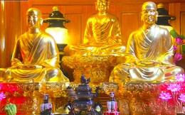 Những pho tượng dát vàng trong đền thờ độc đáo bậc nhất Việt Nam