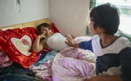 """Mái ấm của những cặp bố mẹ """"mặt búng ra sữa"""" ở Trung Quốc"""