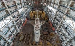 Thám hiểm nơi lưu giữ tàu con thoi Buran của Liên Xô: Lạnh lẽo và hoang phế đến rợn người!