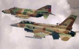 Vì sao dự án biến F-4 thành trinh sát cơ tốc độ Mach 3 chết yểu?