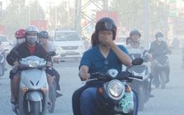 """[ẢNH] Người dân ngộp thở trong """"bão bụi"""" tại cửa ngõ phía Tây Sài Gòn"""