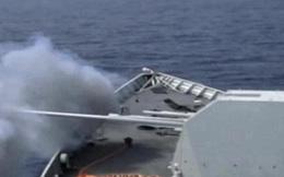 ẢNH: Khu trục hạm hiện đại nhất Trung Quốc nã pháo ở Biển Đông