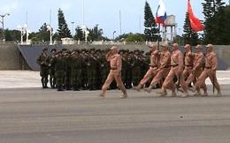 """Duyệt binh Chiến thắng tại Syria: """"Nể mặt Nga không bao giờ thừa!"""""""