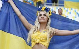 Những nhan sắc xinh như hoa hậu trên khán đài Euro 2016