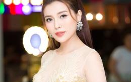Cao Thái Hà khoe vẻ gợi cảm với váy xuyên thấu