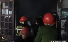 Phá cửa xông vào ngôi nhà cháy cứu sống người đàn ông bị bệnh