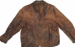Chiếc áo da cũ của Einstein vừa được mua với giá 150.000 USD