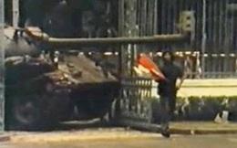 Chuyện về lá cờ trận mạc trên nóc Dinh Độc Lập trưa 30/4/1975