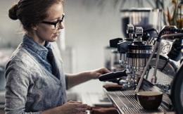 """Khoa học chứng minh: Uống nhiều cà phê khiến vòng 1 của chị em có nguy cơ """"xẹp lép""""!"""