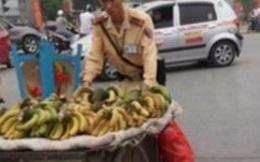 Sự thật bức ảnh CSGT phạt người bán chuối