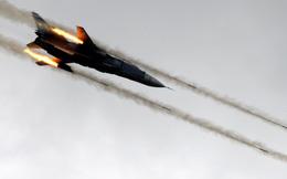 Máy bay ném bom Nga áp sát chiến hạm Mỹ, nhào xuống như tấn công