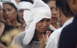 Trong tang lễ Hán Văn Tình, có một phụ nữ rất đặc biệt!