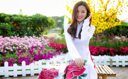 Hot girl Sài Thành khoe sắc giữa vườn hoa xuân