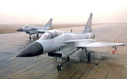 Trung Quốc khoe sức mạnh khi thống kê tai nạn của J-10