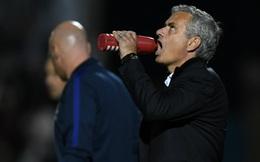 """Mourinho lộn tiết khi biết học trò đá tệ còn mải mê """"làm đẹp"""""""