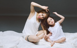 """MC VTV gây sốt với bộ ảnh """"mẹ rất gợi cảm, con cực đáng yêu"""""""