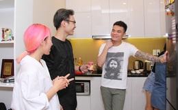 Khắc Việt tự tay vào bếp nấu ăn cho đội Trung Quân - Khắc Hưng