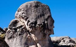 Bí ẩn không lời giải về những tảng đá biết chữa bệnh của người ngoài hành tinh