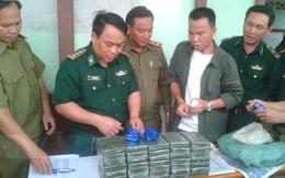 """Bắt 2 người Lào vận chuyển số lượng ma túy """"khủng"""" vào Việt Nam"""