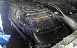 """""""Giải cứu"""" ô tô, xe máy bị nhấn chìm trong tầng hầm chung cư"""