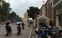 Sự thật việc căng bạt nấu cỗ ngay trước Nhà hát Lớn Hà Nội