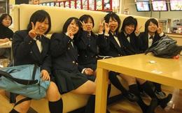 Vì sao các nữ sinh Nhật Bản luôn mặc váy ngắn?