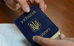 Ukraine sẽ tước quyền công dân người mang họ Nga?