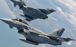 """Anh điều Typhoon, """"nhẹ nhàng"""" đánh chặn máy bay Nga đang áp sát Baltic"""