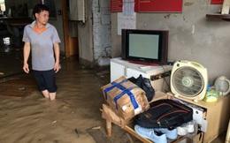 Bể ống cấp nước, nhiều nhà dân bị ngập