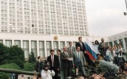 Mỹ đã biết trước 4 tháng vụ chính biến ở Liên Xô