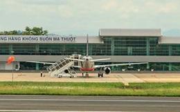 Máy bay đi Buôn Ma Thuột hạ cánh ở TP.HCM vì thời tiết xấu