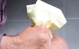 Sai lầm nghiêm trọng khi đi vệ sinh nhiều người mắc phải