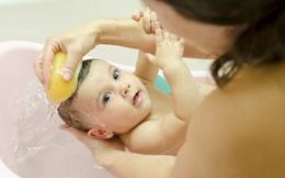 5 thời điểm không nên tắm cho trẻ, cha mẹ cần tuyệt đối tuân thủ