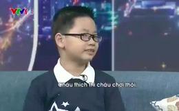 """Cậu bé """"thần đồng"""" 3 tuổi tự học tiếng Anh, 7 tuổi nói trôi chảy và 8 tuổi có trình độ ngang HS cấp 3!"""