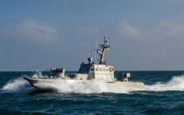 Ukraine khoe tàu pháo mới nhưng dân tình lại sôi nổi nói về... tàu sân bay Nga