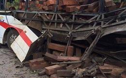 Công an Lào tạm giữ tài xế xe khách bị nổ làm 8 người chết